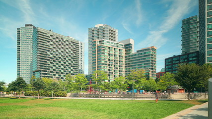 gantry plaza state park apartment complex 4k time lapse new york