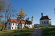 canvas print picture - Bayern - Heilig-Kreuz-Kirche und Leonardikapelle Bad Tölz