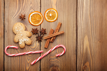 Christmas food decoration with gingerbread cookies, spices and c