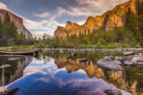 Leinwanddruck Bild merced river - reflection