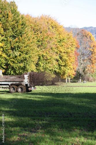 canvas print picture traktor beim düngen
