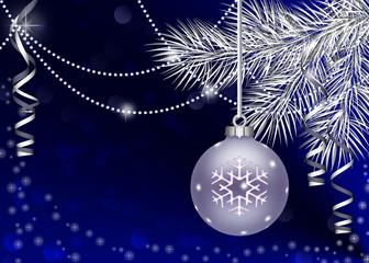 рождественский темно-синий фон с шаром и ветками ели