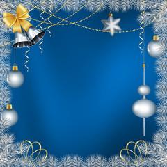 рождественский фон с серебристыми ветками ели и колокольчиками