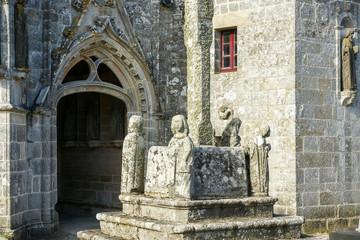 Porte entrée église Saint-Onneau  Esquibien