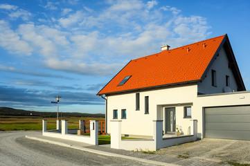 Haus für Familie in neuer Siedlung