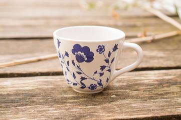 Skandinavian feeling on molo with mug