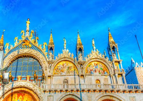 Papiers peints Venice The famous St Mark's Basilica church at Venice Italy. HDR