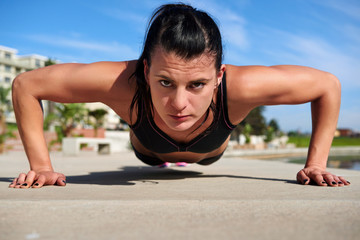 pushup woman