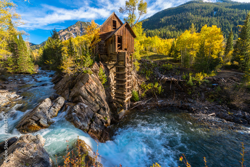 Fotobehang Vuurtoren / Mill Autumn in Crystal Mill Colorado Landscape