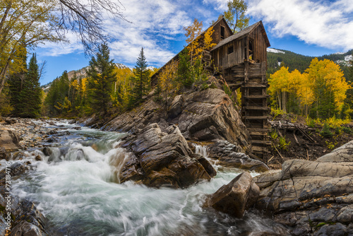 Foto op Aluminium Vuurtoren / Mill Autumn in Crystal Mill Colorado Landscape