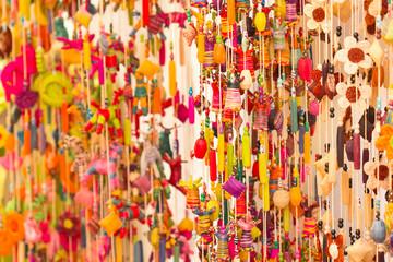 rideau artisanat en perles et cordages couleurs