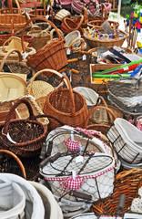Panieri e cestini al mercato di Collonges la Rouge, Limosino