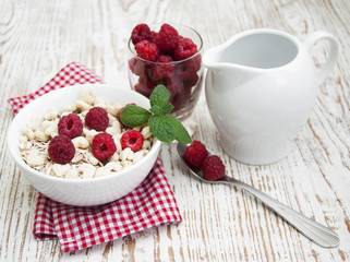 grain muesli with raspberries
