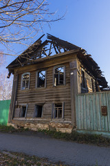 the wooden house after the fire