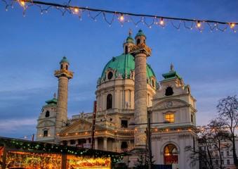 Wien Weihnachtsmarkt Karlsplatz 01