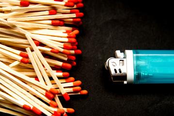 ライターとマッチ