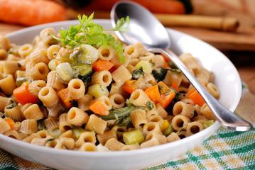 minestrone con pasta integrale