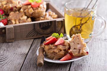 Vegan apple muffins with green tea