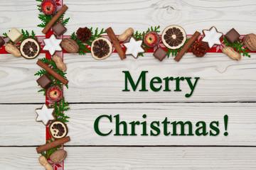 Weihnachtsdekoration auf Holzhintergrund