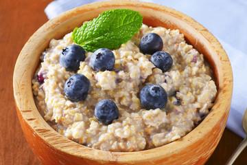 Whole grain oat porridge