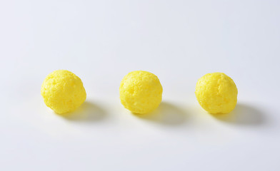 Puffed cereal balls