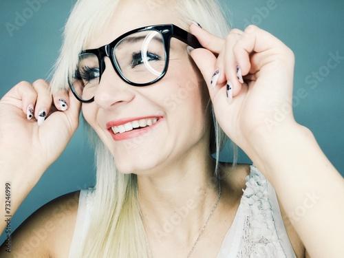 canvas print picture Hübsche junge Frau lacht