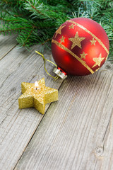 Christmas decoration with candle and bauble