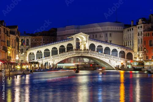 Zdjęcia na płótnie, fototapety, obrazy : Night view of Rialto bridge and Grand Canal in Venice. Italy