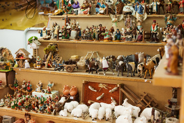 Counter of stand with figures for creating Christmas scenes