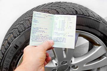 Reifengröße, Kontrolle im Fahrzeugschein
