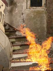 Feuer in einem alten Treppenhaus