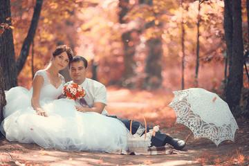 wedding portrait autumn nature