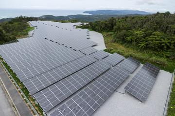 空撮 エコロジー太陽電池パネルメガソーラーパネル