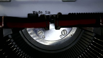 TYPEWRITER with Made in Italy in the paper