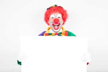 clown mit weißer tafel