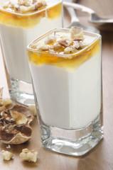 greek yogurt with honey and walnuts