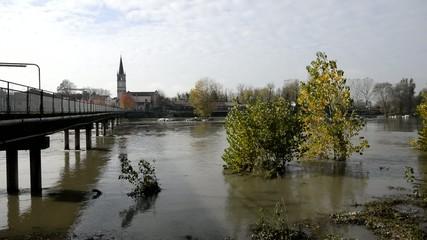 Adda river flood - Pizzighettone town