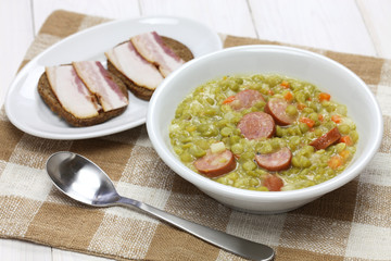 erwtensoep, pea soup, traditional dutch cuisine