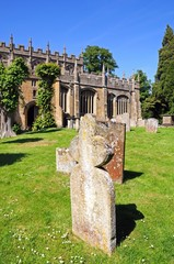 St James church graveyard, Chipping Campden © Arena Photo UK