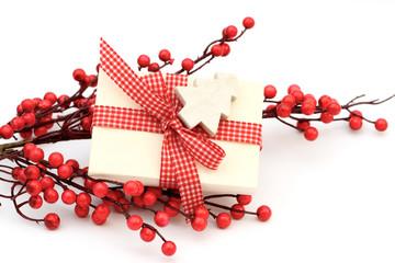Geschenk mit Beeren