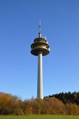 Fernsehturm und Himmelblau