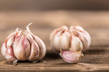 Whole garlic