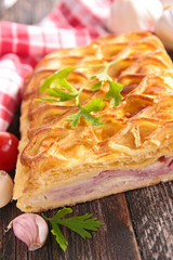 feuillantine with ham and cheese