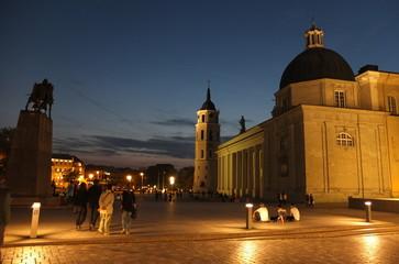 Вечерняя прогулка по улицам старого Вильнюса