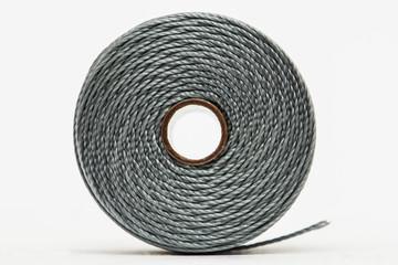 Rocchetto di filo grigio