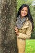 canvas print picture - Junge Frau mit Baum