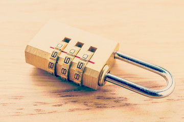 Key pad lock