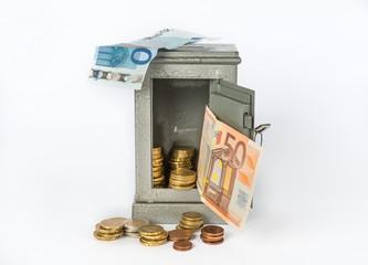 Cassaforte con soldi