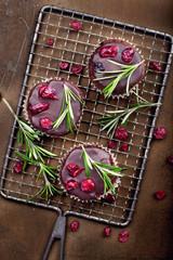 Muffins mit Cranberries und Rosmarin