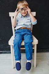Мальчик в школе